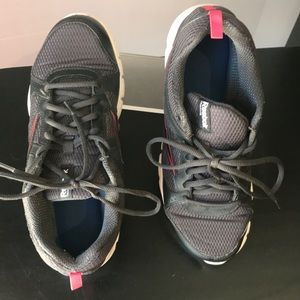Woman's Reebok 3D ultralite shoes pre owned SZ 10